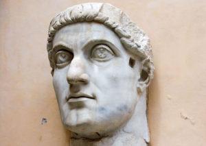 Costantino: Salvatore o Distruttore dell'Impero?