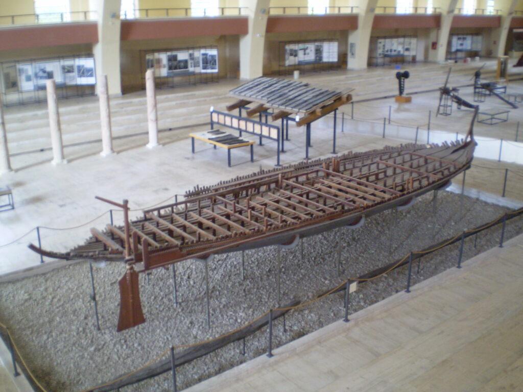 Navi di Nemi - Thalamegos
